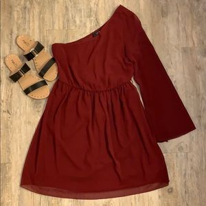XXI (Forever 21 ) Maroon one shoulder dress